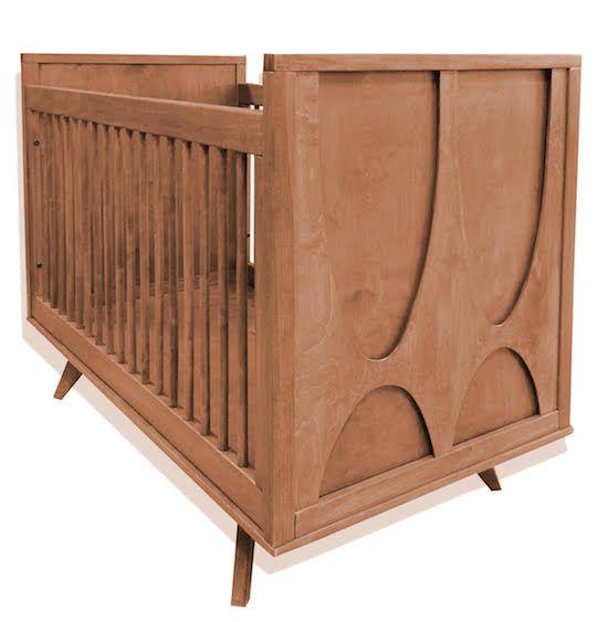 Skylar Crib in Cognac Finish